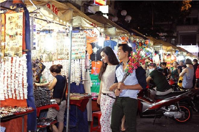 Chợ đêm Bến Thành (TP HCM)