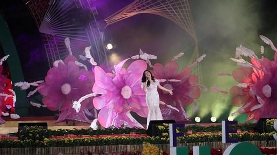 dem-khai-mac-festival-hoa-day-mau-sac-tai-da-lat-8